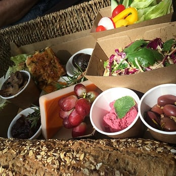 Food For Thought Picnic Basket Review