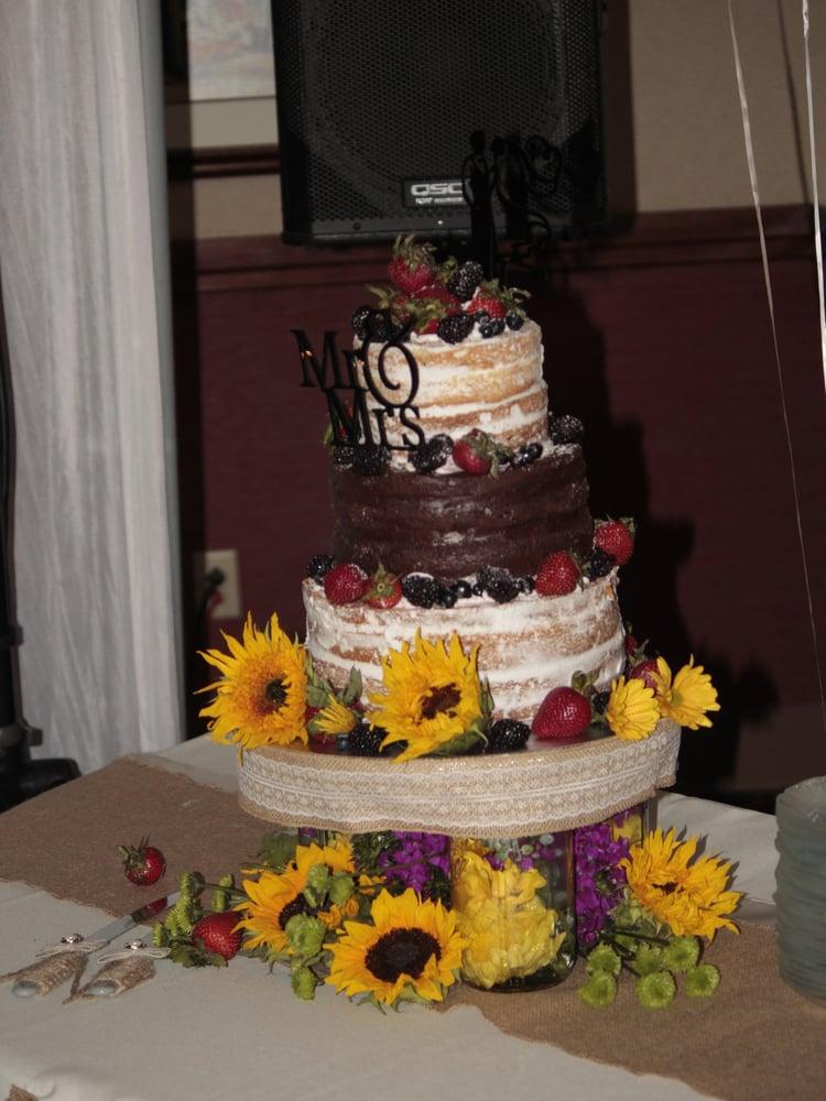 E & L Southwest Cakes