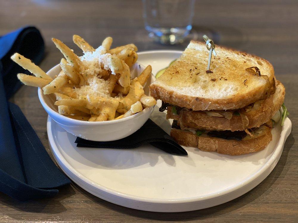 402 eat + drink: 17305 Davenport St, Omaha, NE