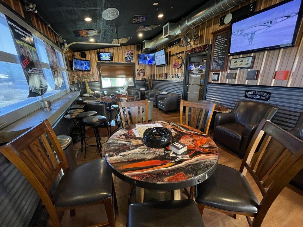 The Loft Sports & Wine Bar - Cigar Lounge: 7200 W Seltice Way, State Line , ID