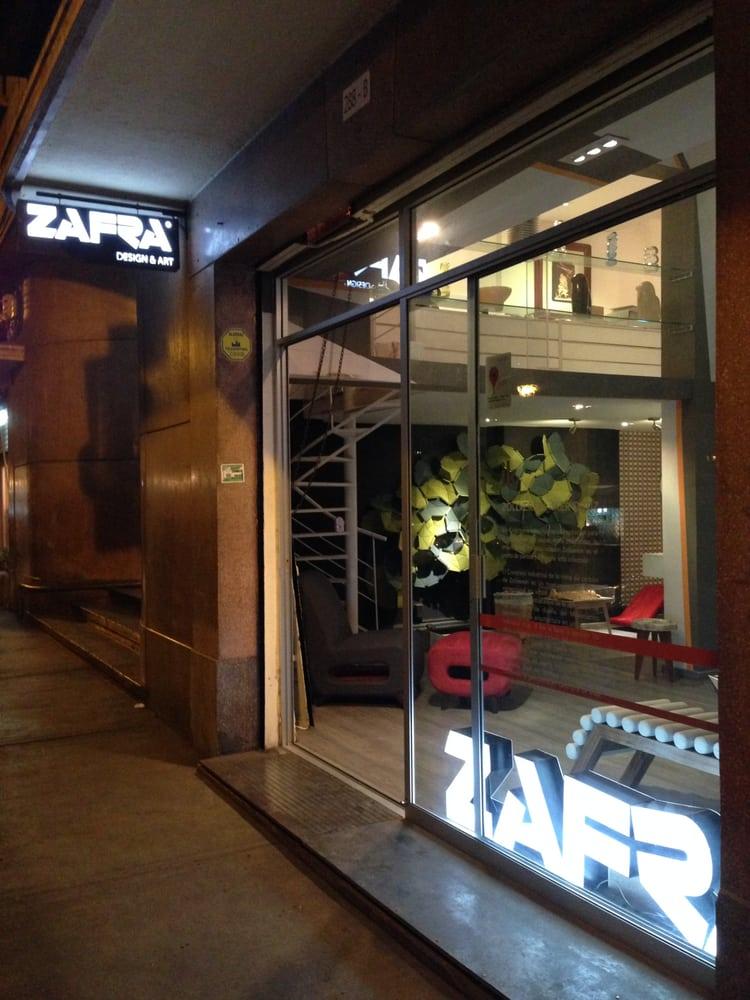 Zafra cerrado tienda de muebles msterdam 288 b for Muebles en zafra