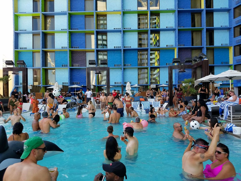 The pool at the linq 59 photos 22 reviews swimming - Best swimming pools in las vegas strip ...