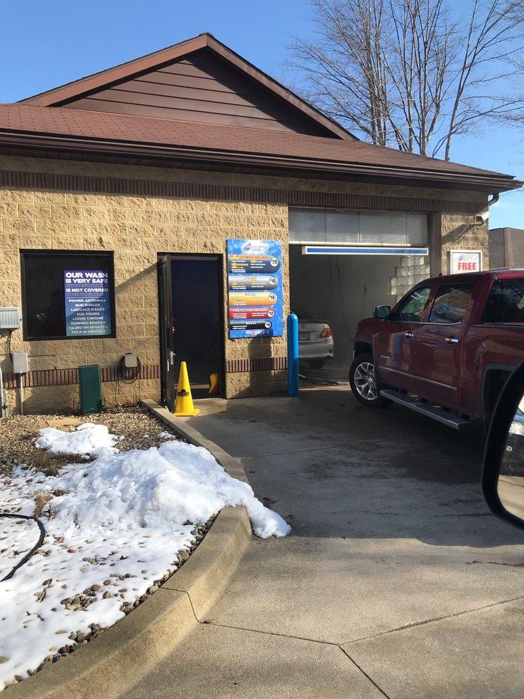 Petit's Auto Wash & Lube Center