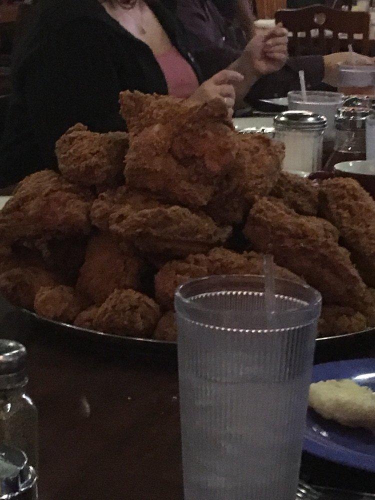 Babe's Chicken Dinner House: 202 N 4th St, Sanger, TX