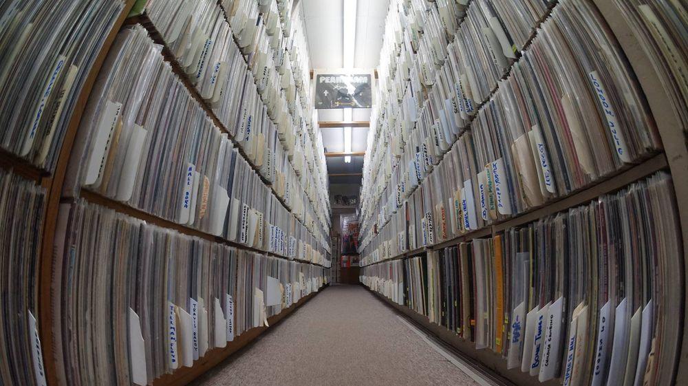 Arkansas Record & CD Exchange: 4212 Mac Arthur Dr, North Little Rock, AR