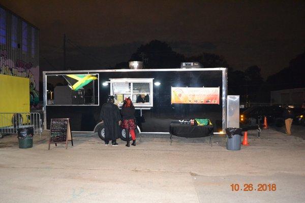 Hummingbirds Atlanta Food Trucks Downtown Atlanta Ga