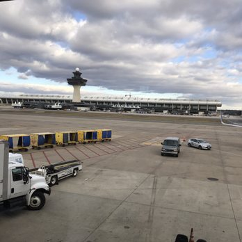 how to get from iad to dc