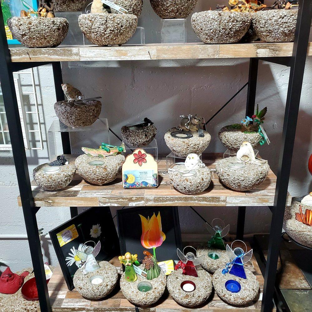 Heartsome Handicrafts: 48 New Hartford Shopping Ctr, New Hartford, NY