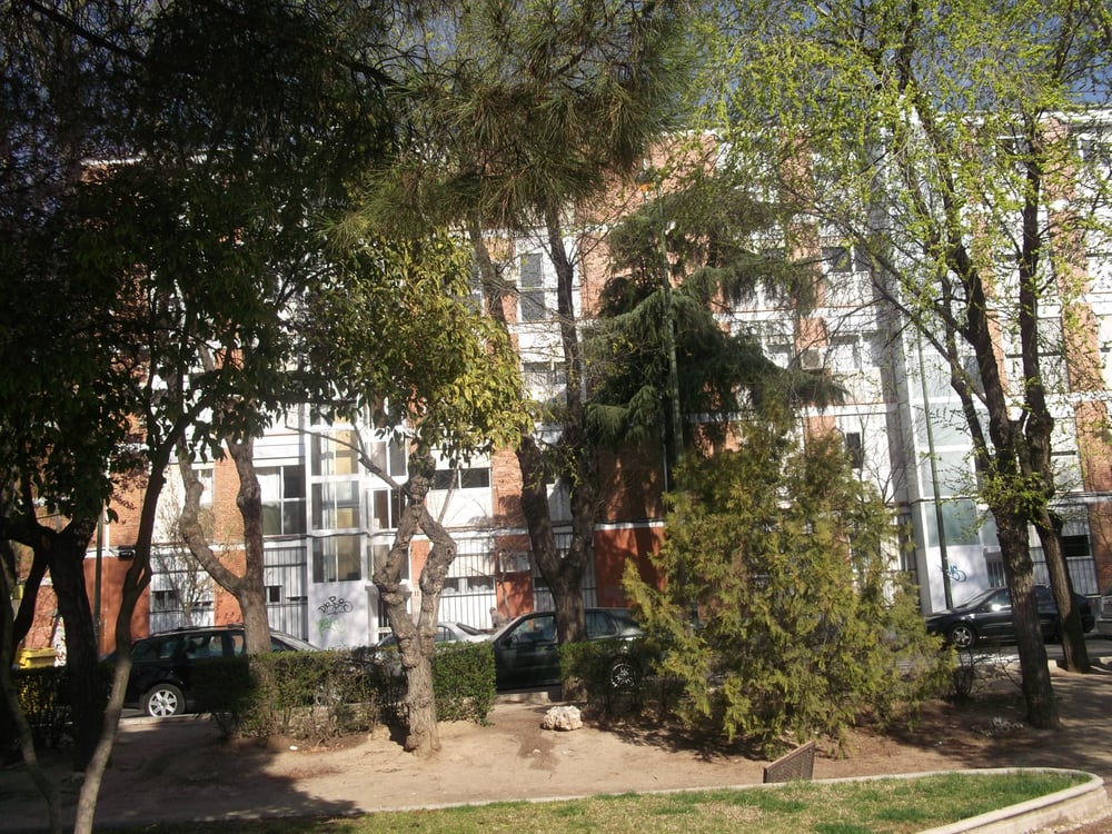 Parque flori parques y jardines calle cidam n 15 for Jardines 15 madrid
