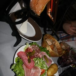 La pierrade 24 photos 29 reviews fondue 93 rue des for Restaurant miroir rue des martyrs