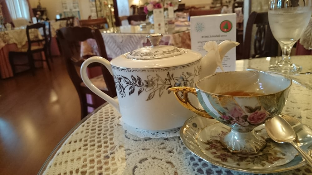 The ultimate girly spot for breakfast and tea yelp - Chantilly telas ...