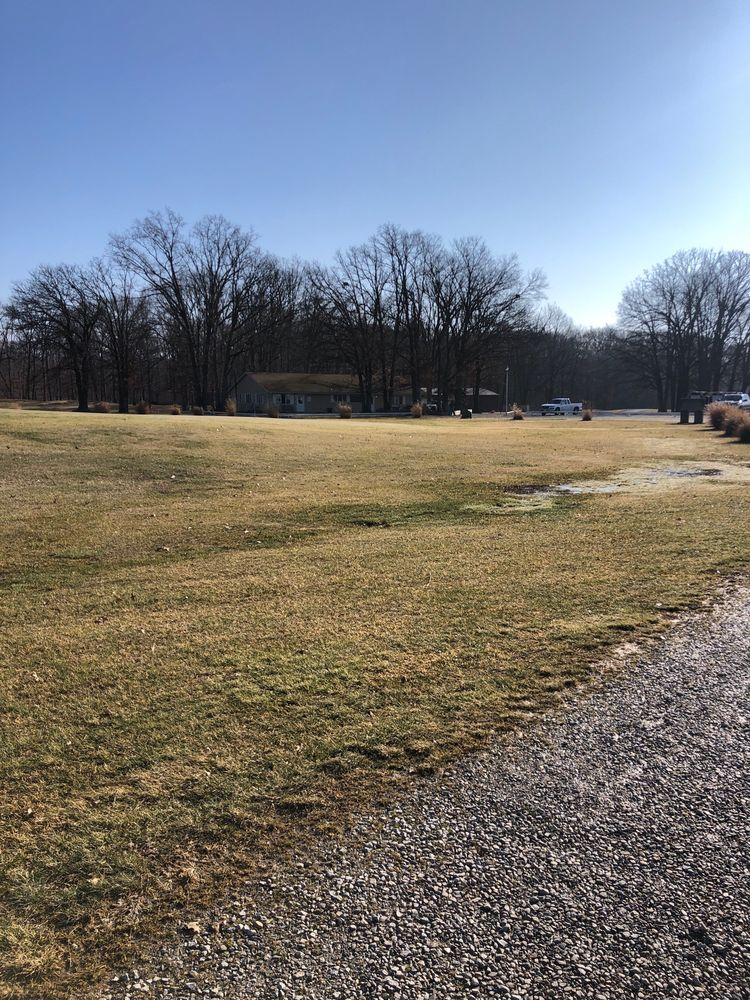 St Elmo Golf Club: Saint Elmo, IL