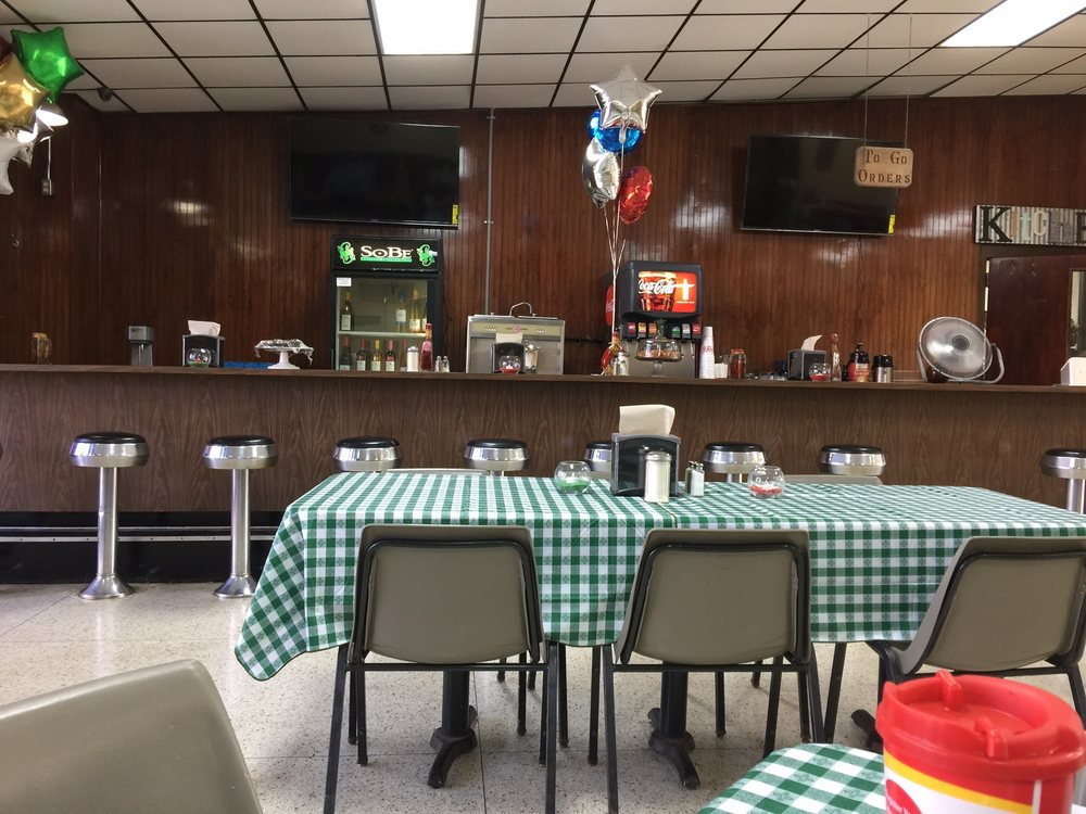 Patty's Truck Stop: 950 Hwy 140 NW, Adairsville, GA