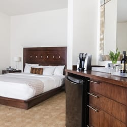 metterra hotel on whyte 53 photos 28 reviews hotels. Black Bedroom Furniture Sets. Home Design Ideas