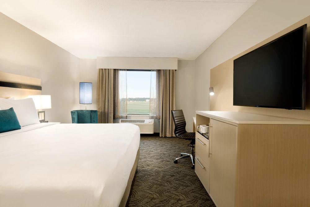 Holiday Inn Bloomington - Normal: 8 Traders Cir, Normal, IL
