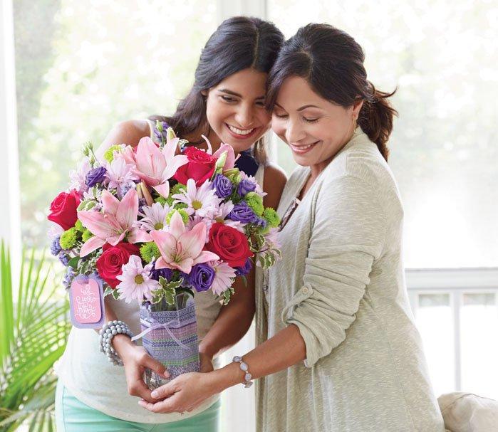 Broderick's Flowers & Gifts: 34 N Washington Ave, Bergenfield, NJ