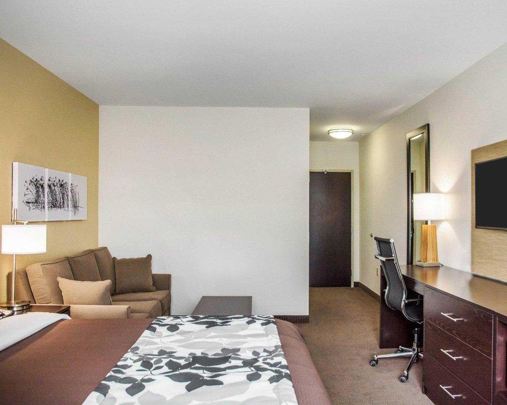 Sleep Inn & Suites Parkersburg-Marietta: 97 Emerson Commons Blvd, Parkersburg, WV