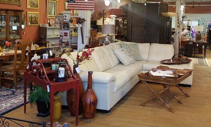 Iris Home Accents: 19725 Oak St, Cornelius, NC
