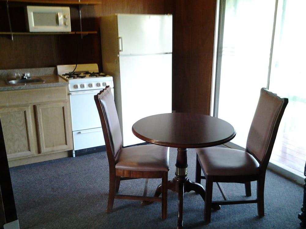 The Applewood Inn: 44810 New York Rt 12, Alexandria Bay, NY