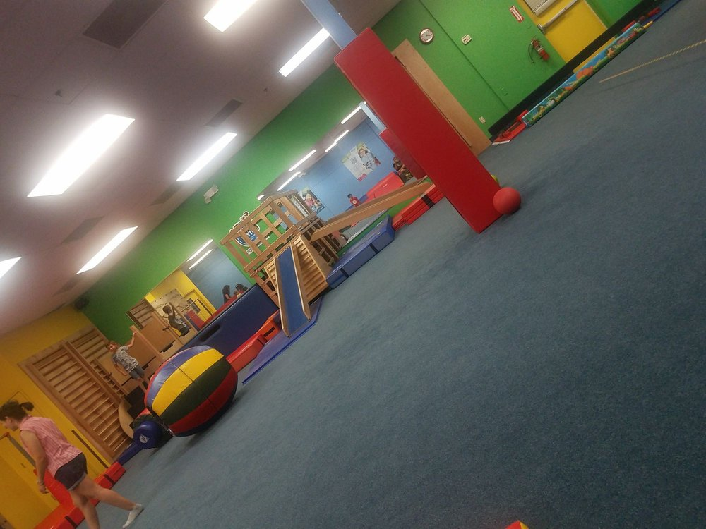 My Gym - Waterford Lakes: 11555 Lake Underhill Rd, Orlando, FL