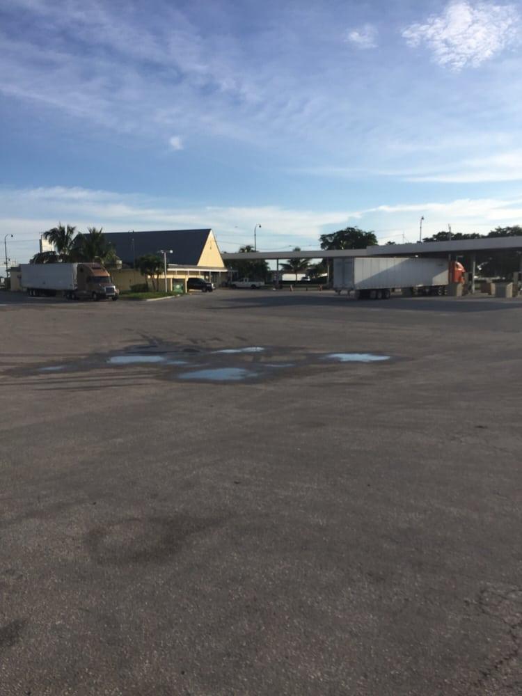 Southern Belle Truck Stop: 255 US Highway 27 N, South Bay, FL