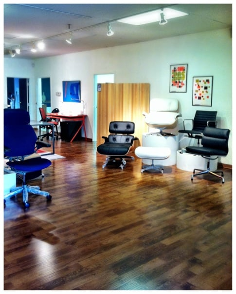 Eames lounge chairs with ottomans eames aluminum group for Office design northbrook il