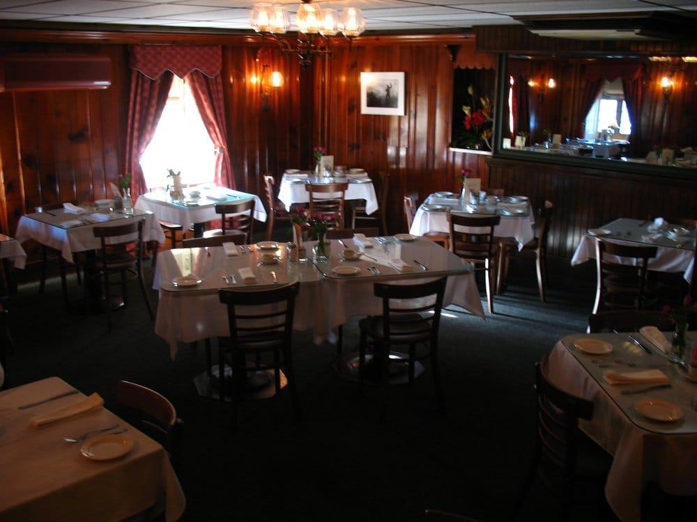 Frank & Diannah's Arbor Inn: 47 S Bingaman St, Reading, PA