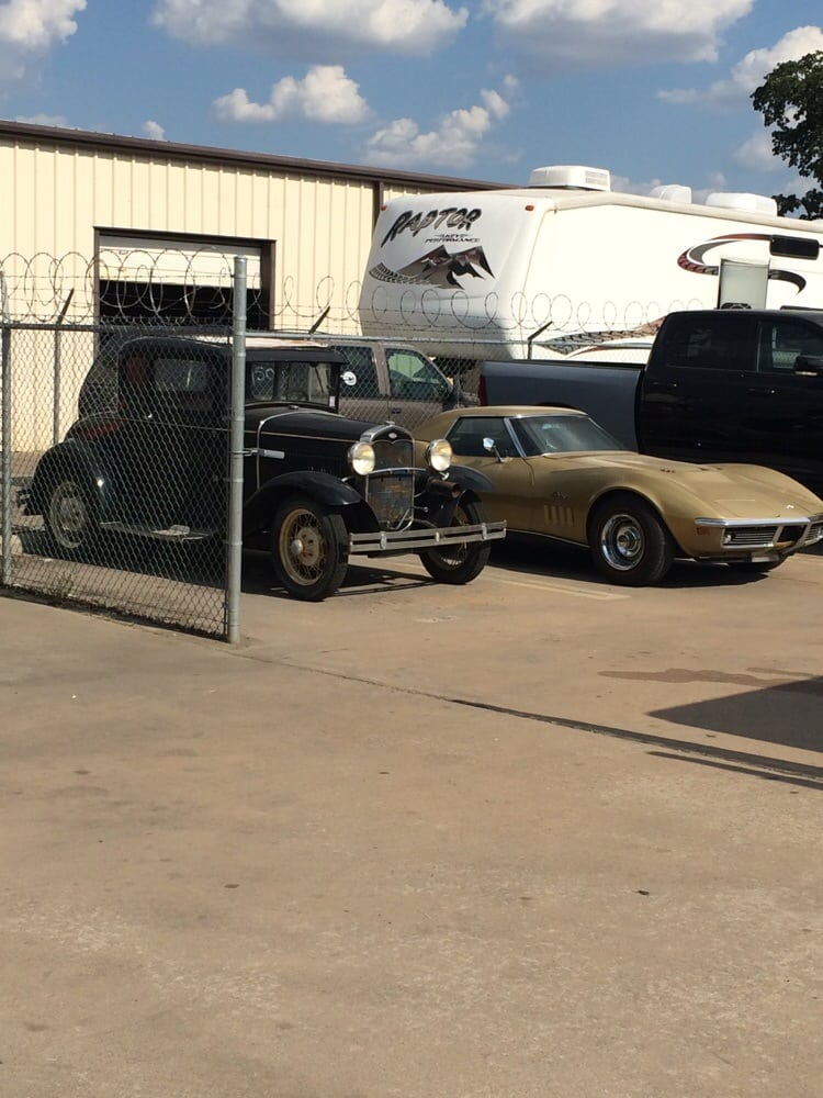 39 69 stingray corvette in gold parked at the garage that i for Garage gold nevers avis
