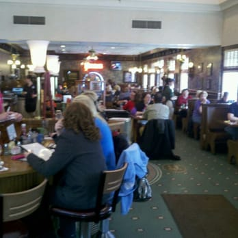 Photo Of Yours Truly Restaurants Mentor Oh United States Busy Lunch