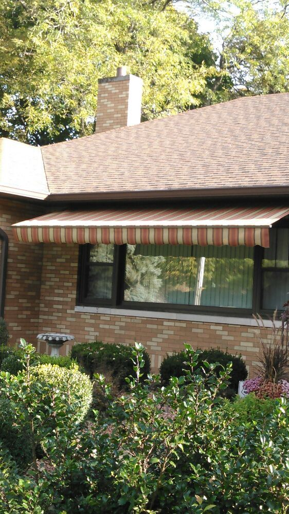 Dan's Advanced Awnings Windows & Garage Doors: 305 Burnside Ave, Muscatine, IA