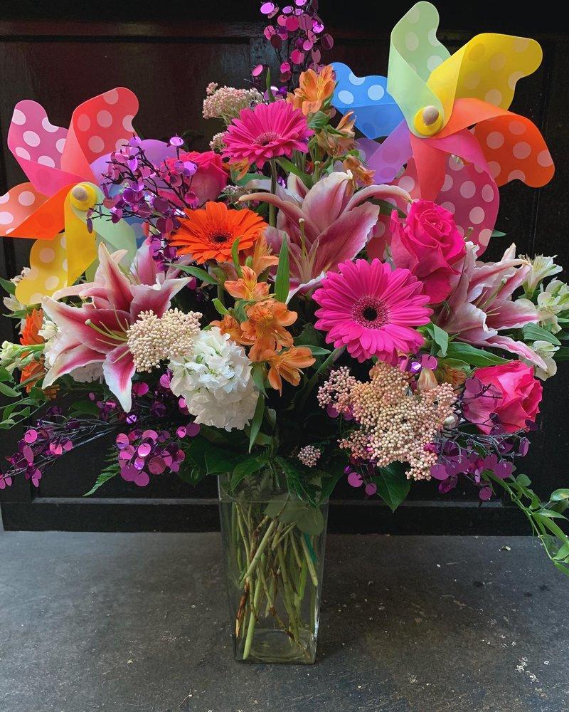 Pink Petals Florist: 1960 W Market St, Akron, OH