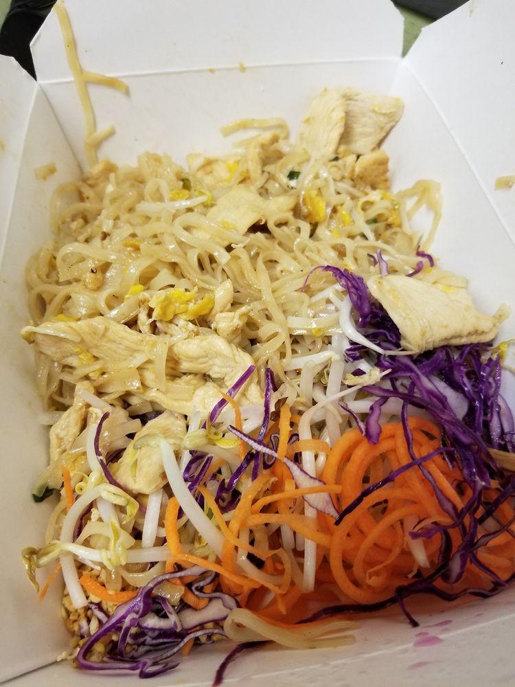 Thai Eatery: 8020 Douglas Ave SE, Snoqualmie, WA