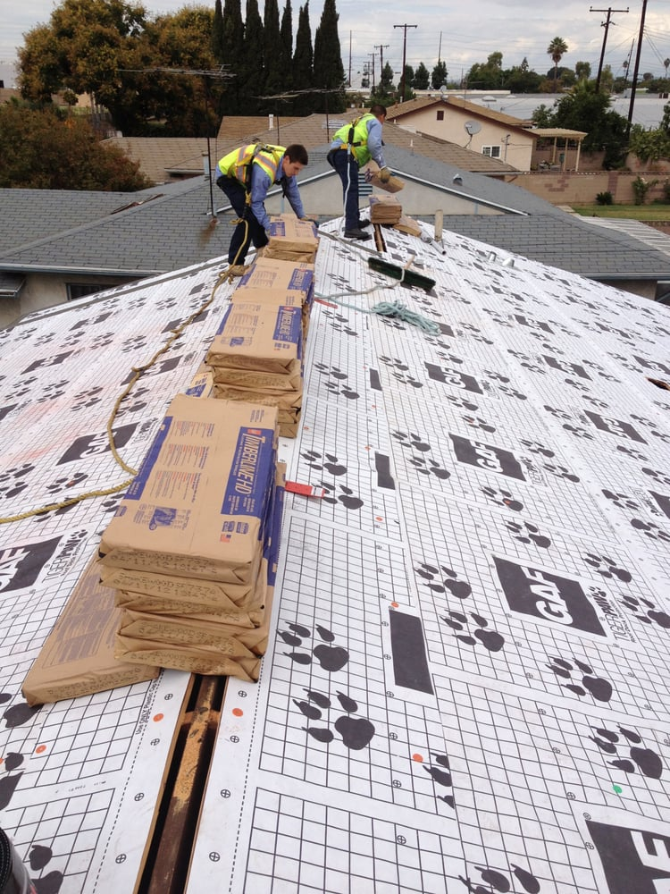 Roof Underlayment Installation : Gaf tiger paw synthetic underlayment with a ridge vent