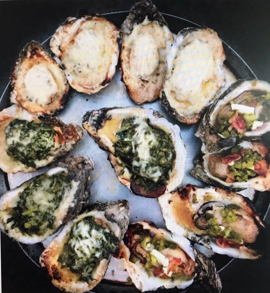 Shucks The Louisiana Seafood House: 701 W Port St, Abbeville, LA