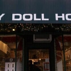 CBS New York - A Miniature World Of Wonder At Tiny Doll ...