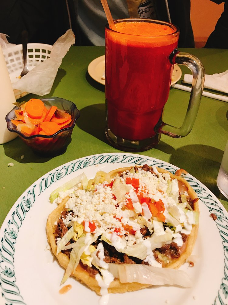 Mi Rancherita: 1512 Dakota Ave, South Sioux City, NE