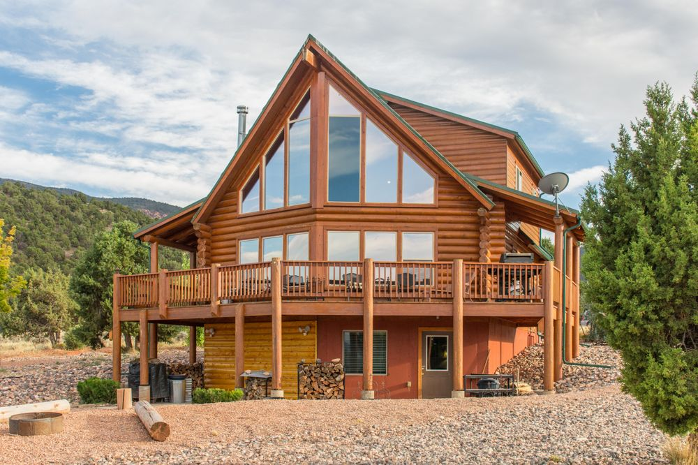 Family Time Vacation Rentals: 270 S Hwy 143, Brian Head, UT