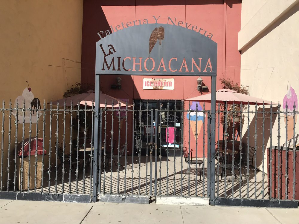 Neveria La Michoacana: 200 Broadway St, King City, CA