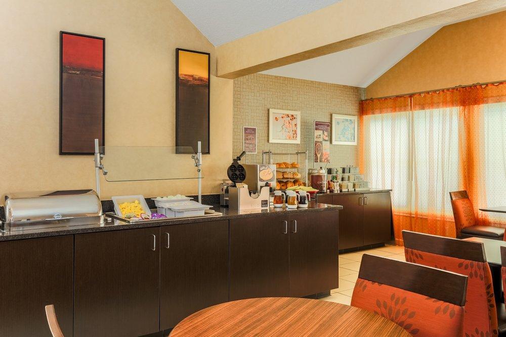 Residence Inn St Louis Galleria: 8011 Galleria Pkwy, Saint Louis, MO