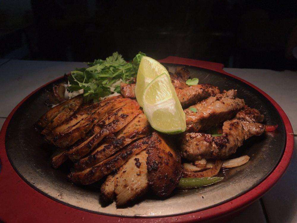 Oli's Kitchen Bar & Grill: 205 Main St, Marble Falls, TX