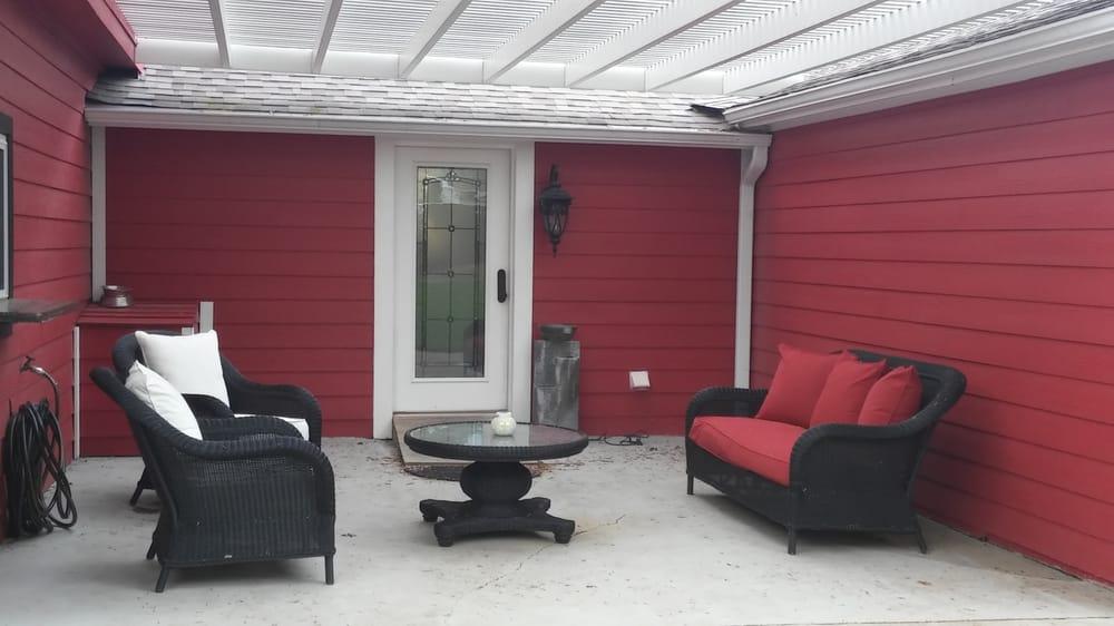 Red Velvet Inn: 803 S Lasalle St, Navasota, TX