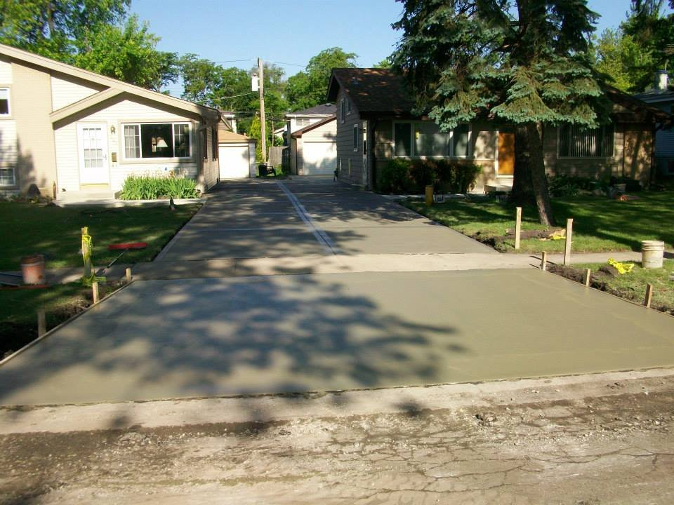 Z&B Landscaping and Concrete: Crystal Lake, IL