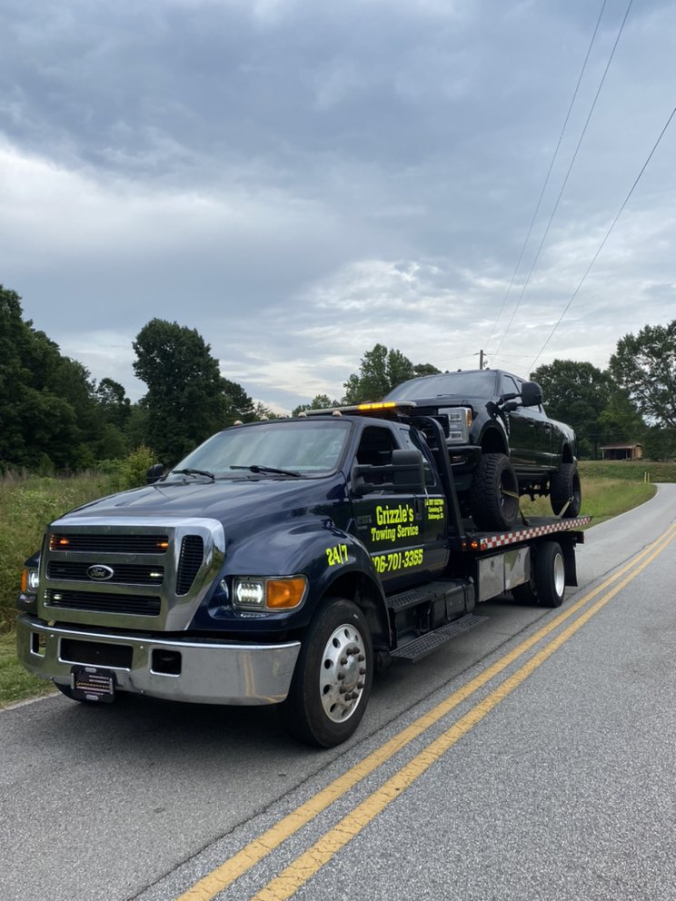 Grizzle's Towing Service: Dahlonega, GA