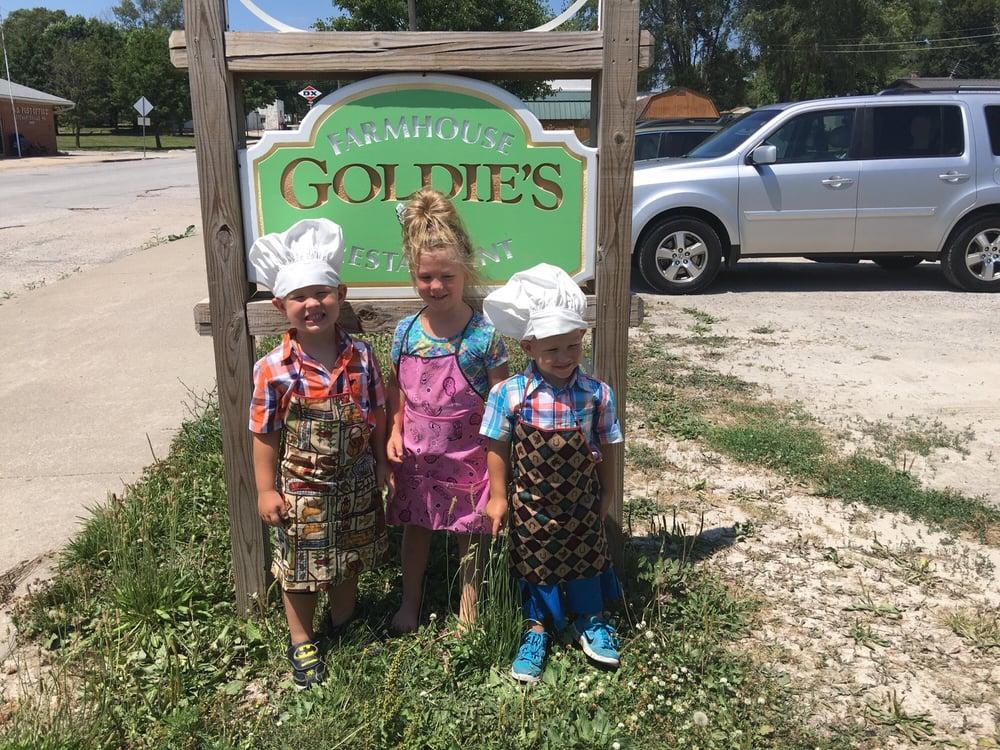 Goldie's Farmhouse: 301 Main St, Stewartsville, MO