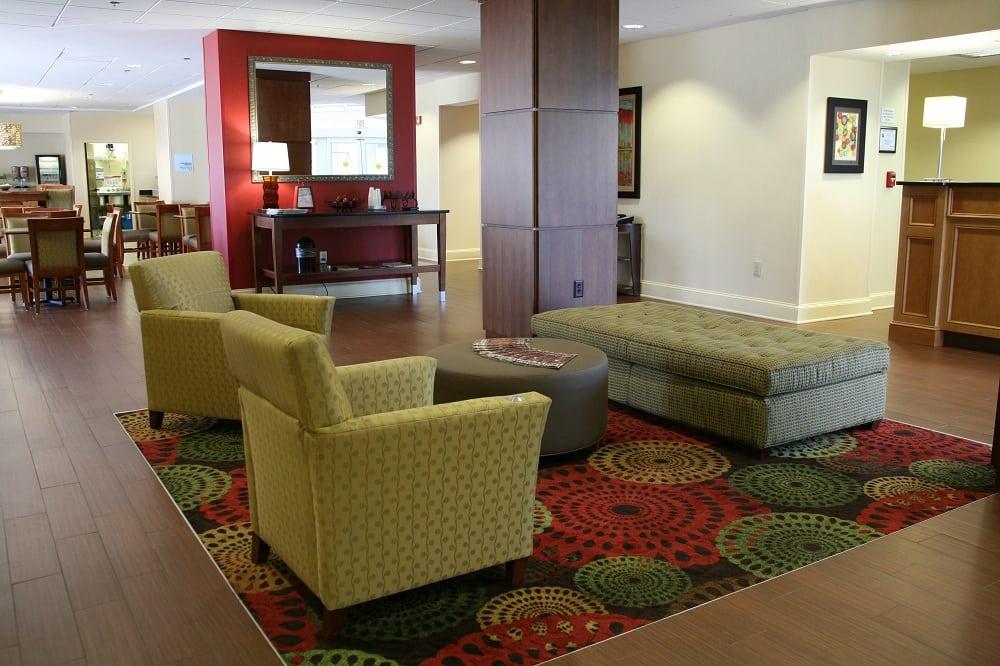 Holiday Inn Express - Greenville: 909 Moye Blvd, Greenville, NC