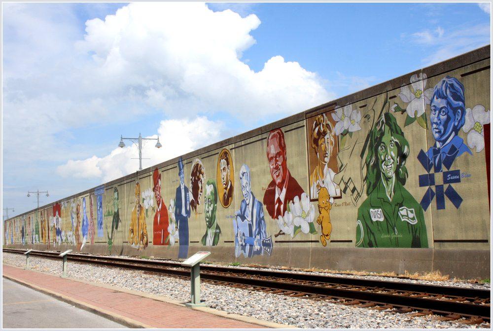 Missouri Wall Of Fame: Water St, Cape Girardeau, MO