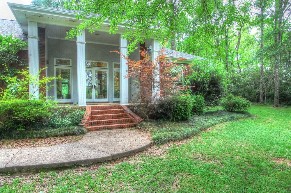Paula Brahan Can: 118 Lamar Blvd, Hattiesburg, MS