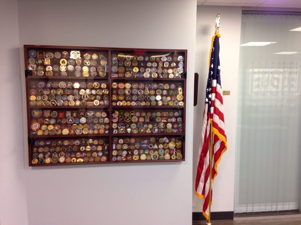 how to make a challenge coin display
