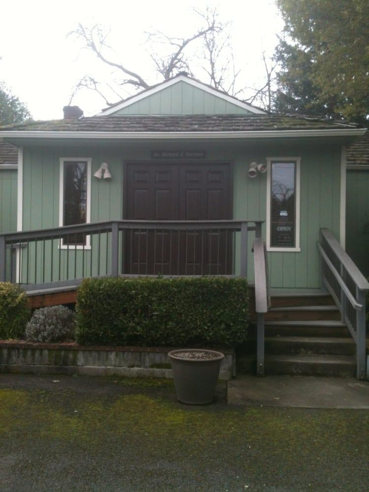 Garden Way Chiropractic Center & Sports Injury Clinic | 388 S Garden Way, Eugene, OR, 97401 | +1 (541) 484-6933