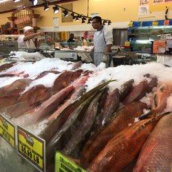 Foodtown supermarket 316 photos 121 reviews for Fresh fish market miami